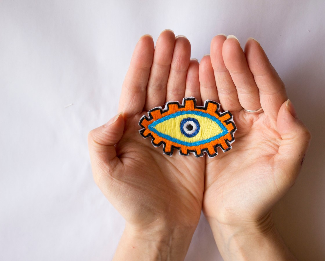 diy-how-to-evil-eye-embroidery-patch